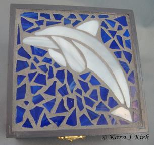 https://0201.nccdn.net/1_2/000/000/0c5/009/06-24-13-Wooden-Dolphin-Mosaic-Box-Gray-2-4x6-305x288.jpg