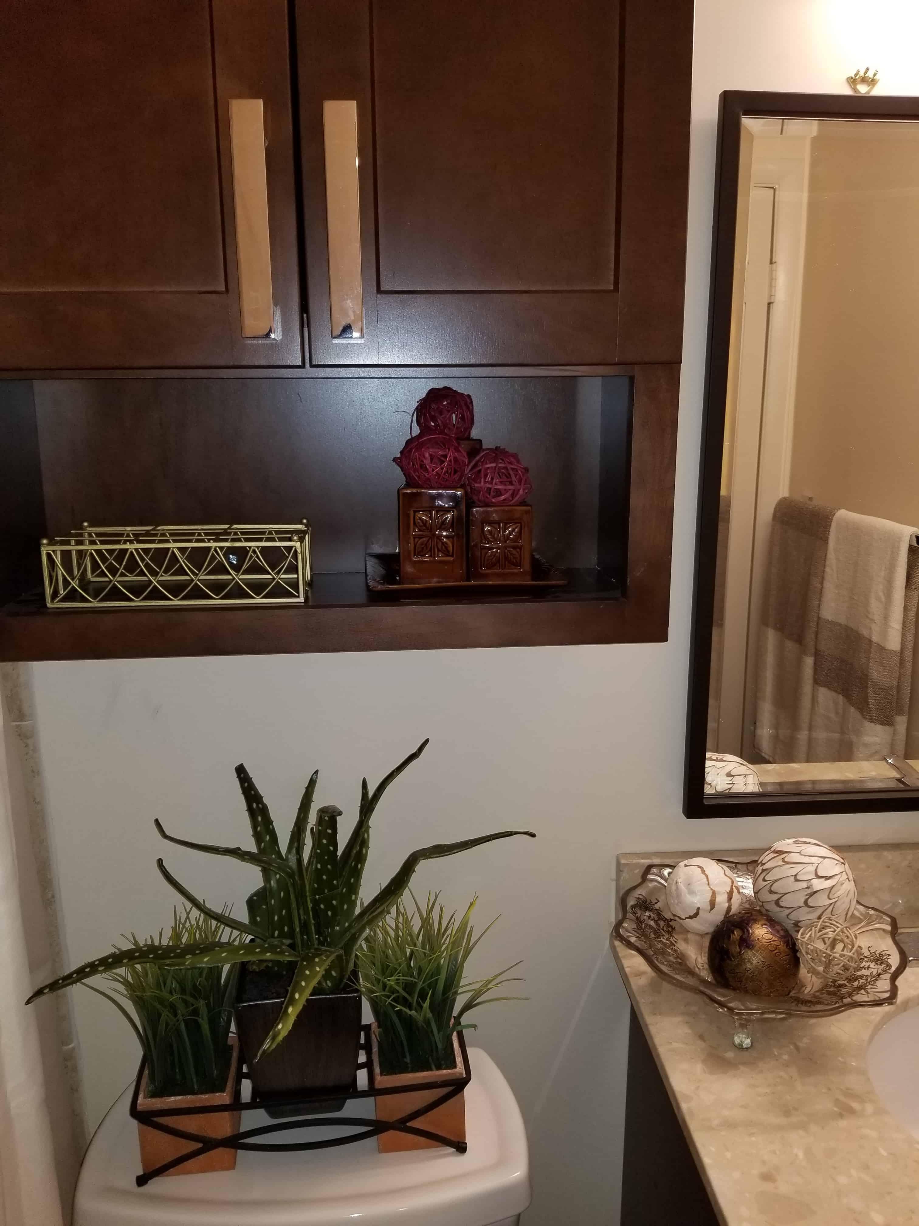 https://0201.nccdn.net/1_2/000/000/0c6/319/BathroomAccessories-min-3024x4032.jpg