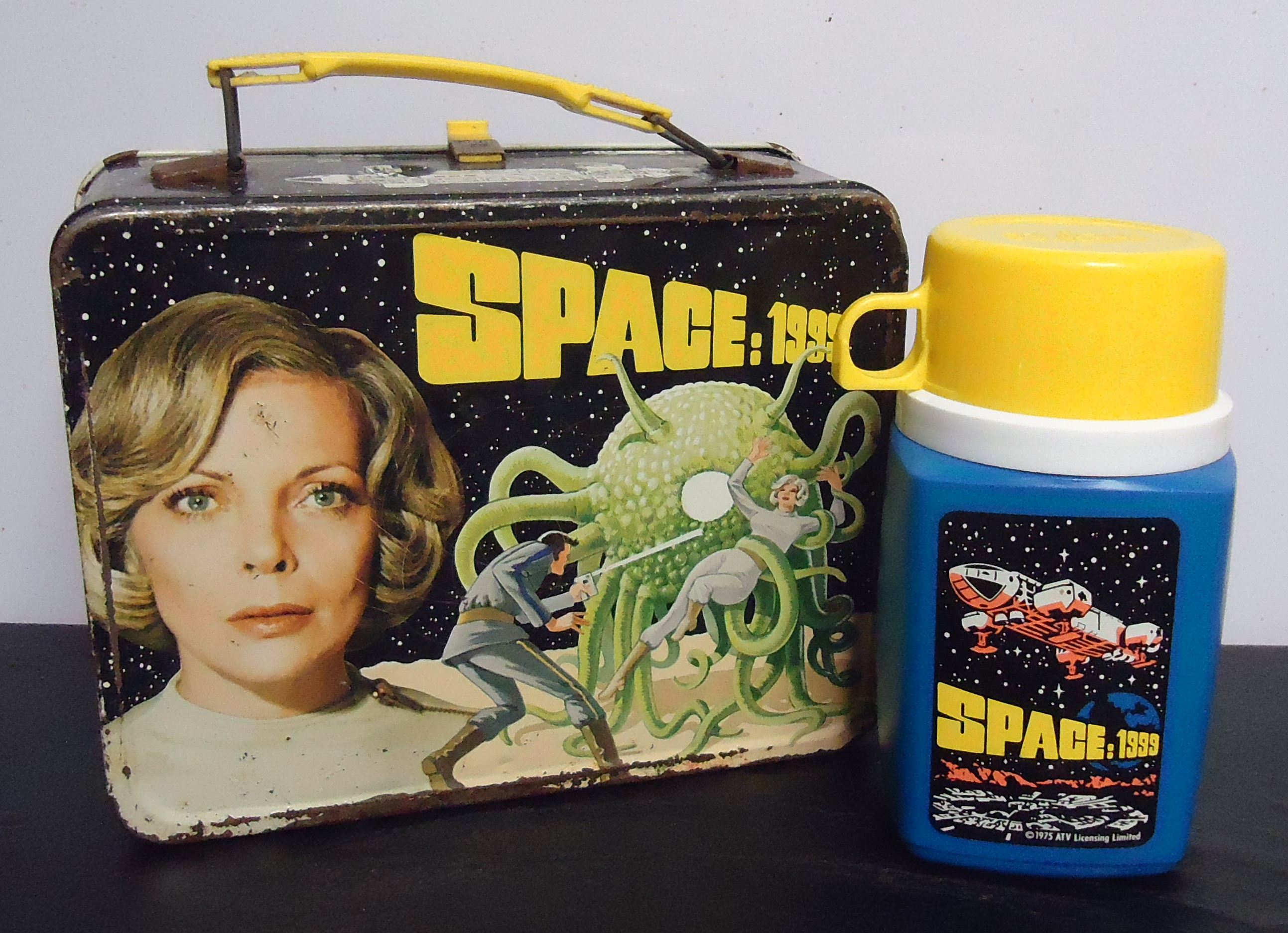 """(10) """"Space: 1999"""" Metal Lunch Box  W/ Thermos $58.00"""