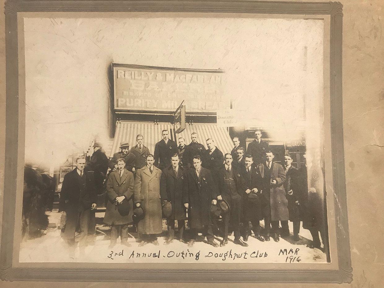 Doughnut Club Outing 1916