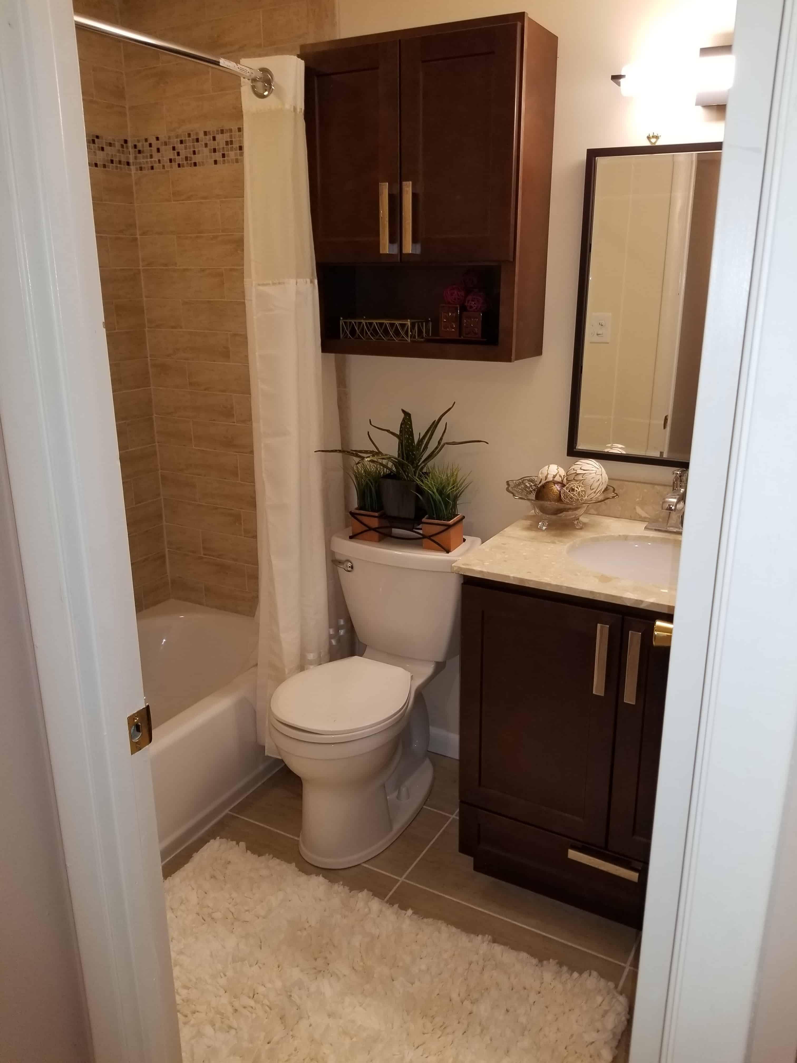 https://0201.nccdn.net/1_2/000/000/0c7/cd6/BathroomIdeas-min-3024x4032.jpg
