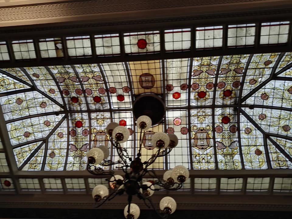 https://0201.nccdn.net/1_2/000/000/0c8/645/stained-glass-ceiling-960x720.jpg