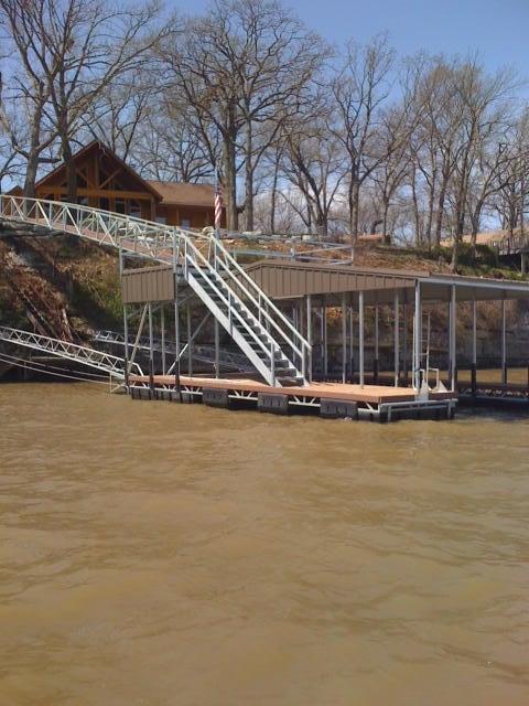 Top Load Dock