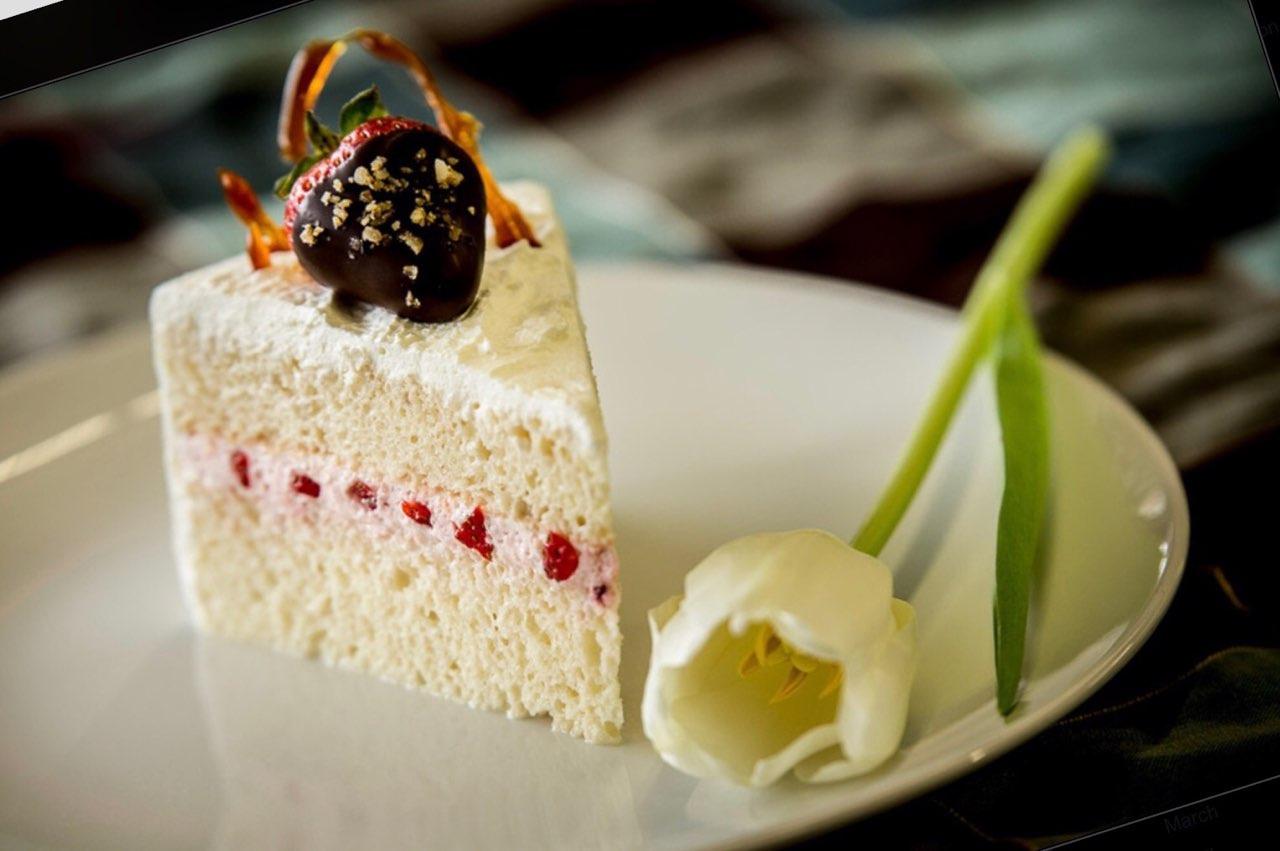 Vanilla Cake Slice 2