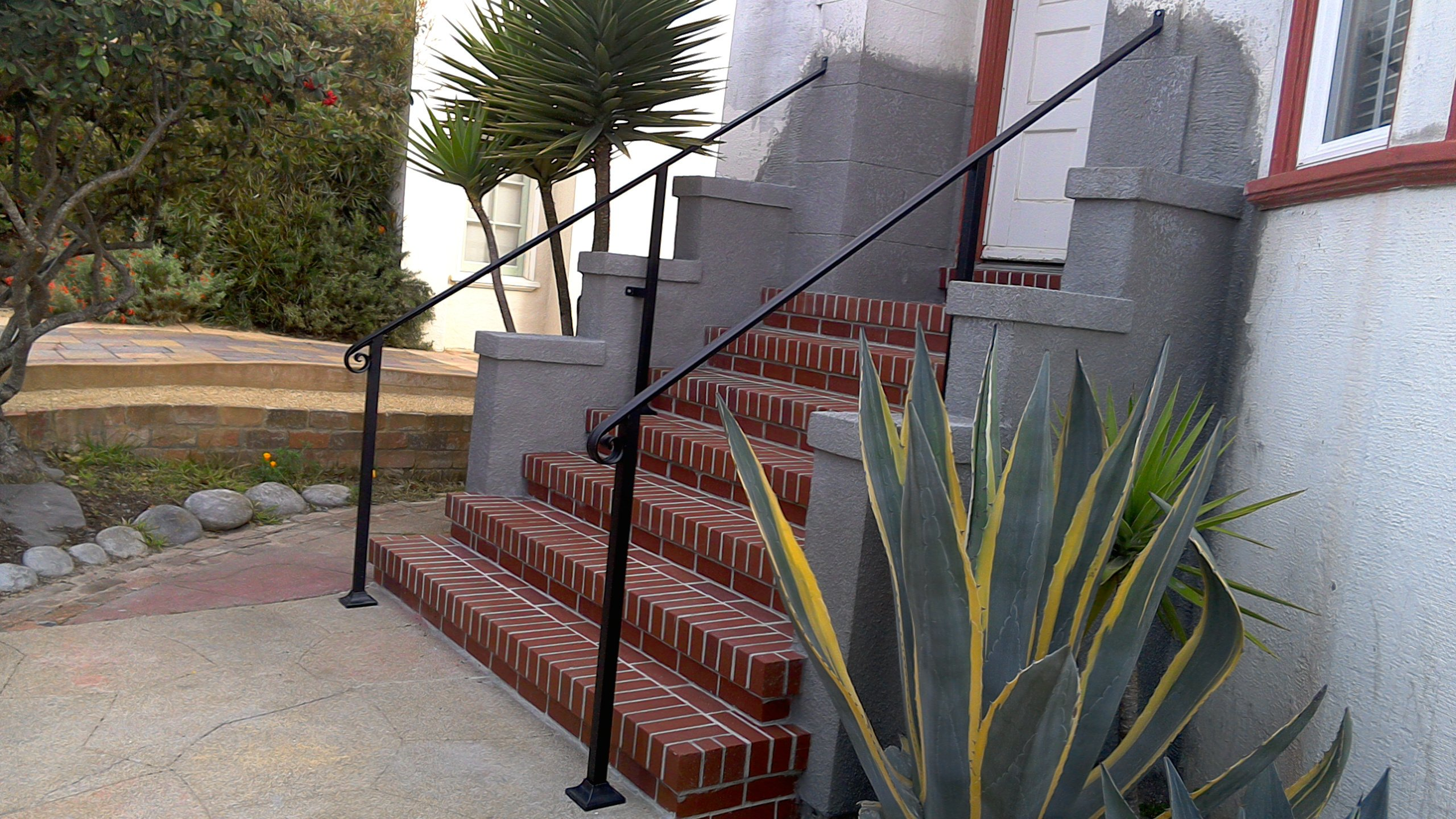 Handrail w/ Posts Example 2 (Molded Cap w/ Square Posts)