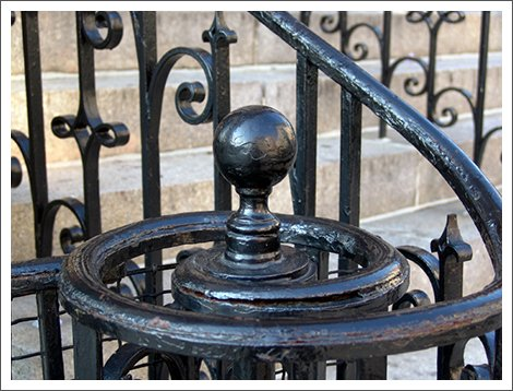 Wrought iron spiral outdoor bannister||||