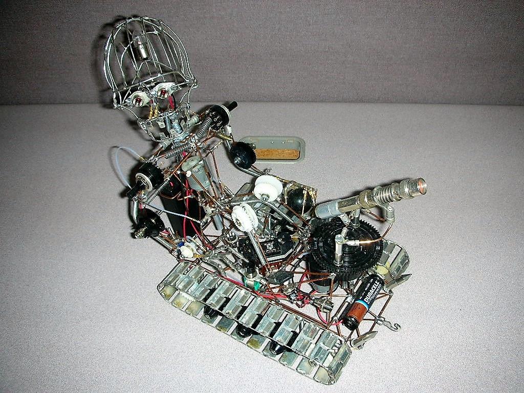 https://0201.nccdn.net/1_2/000/000/0cf/134/Trackbot6-1024x768.jpg