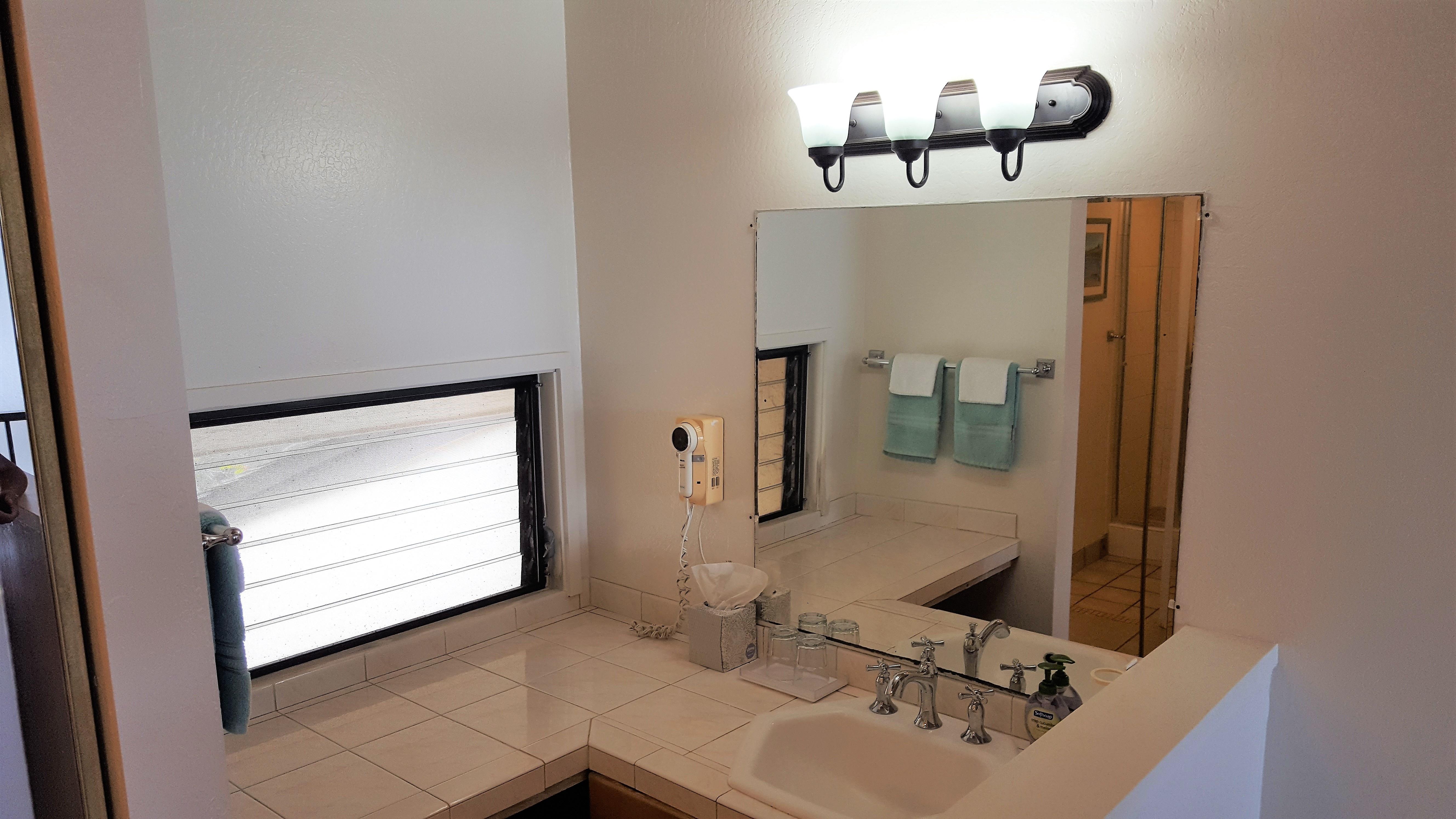 C25 Upstairs bathroom vanity