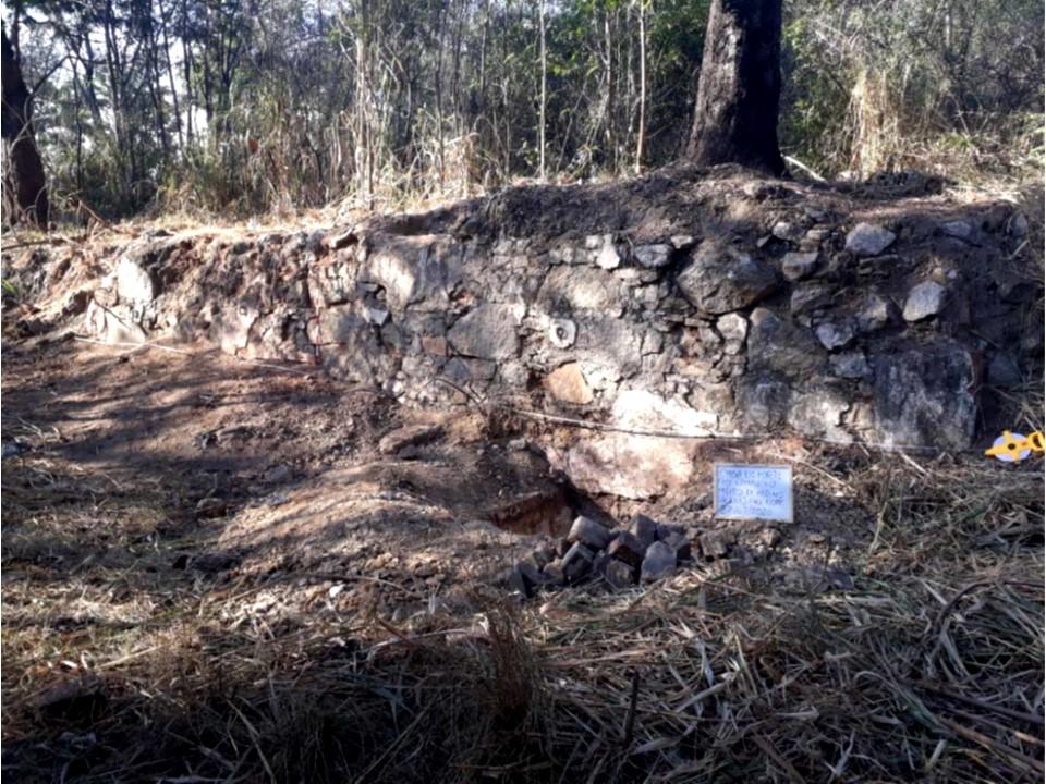 https://0201.nccdn.net/1_2/000/000/0d0/f89/muro-de-pedra.jpg