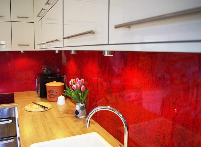 Custom paint finishes, kitchen splashbacks, bathroom panels. Artistic Metals, Uckfield.