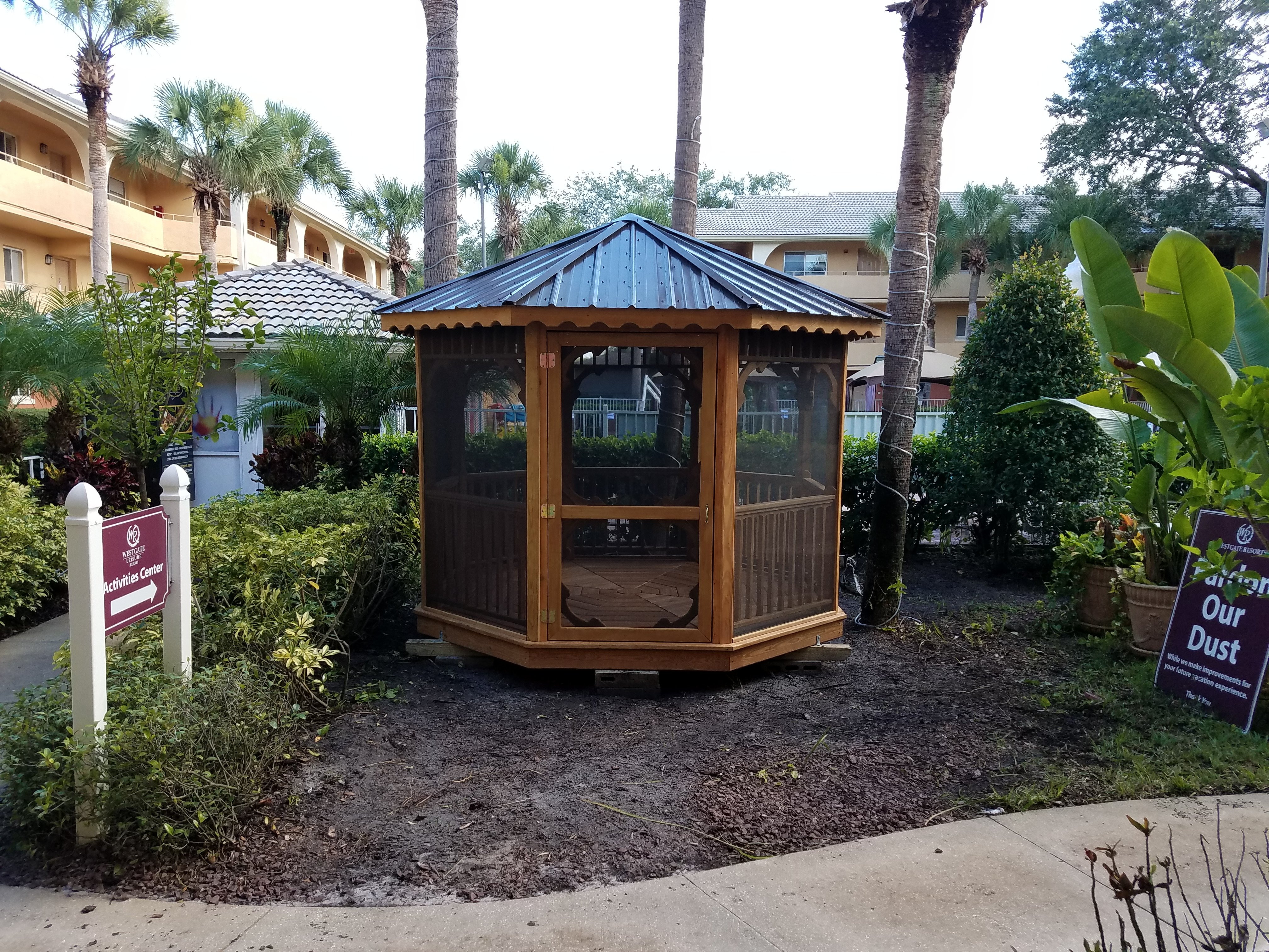 10x10 Cedar Stain Octagon with an Exterior Screen Package(standard), West Gate Resorts