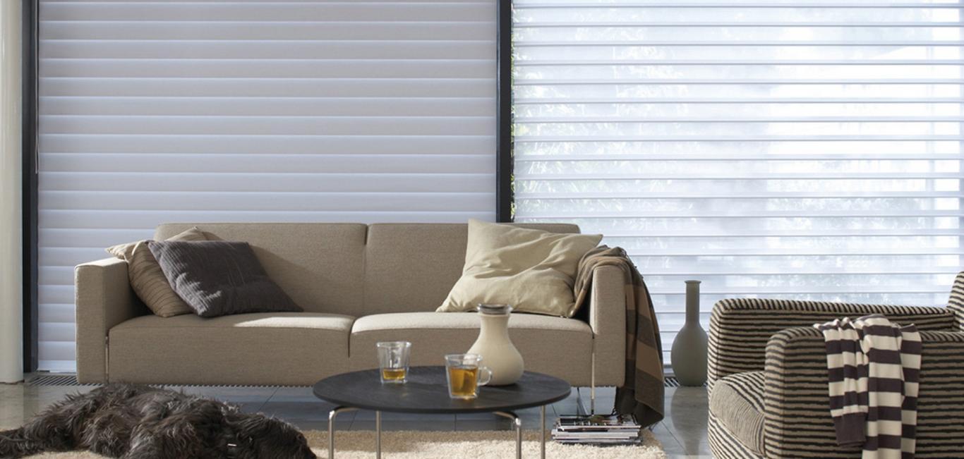 El control de la entrada de luz y el nivel de privacidad de un ambiente con una tela de diseño único.