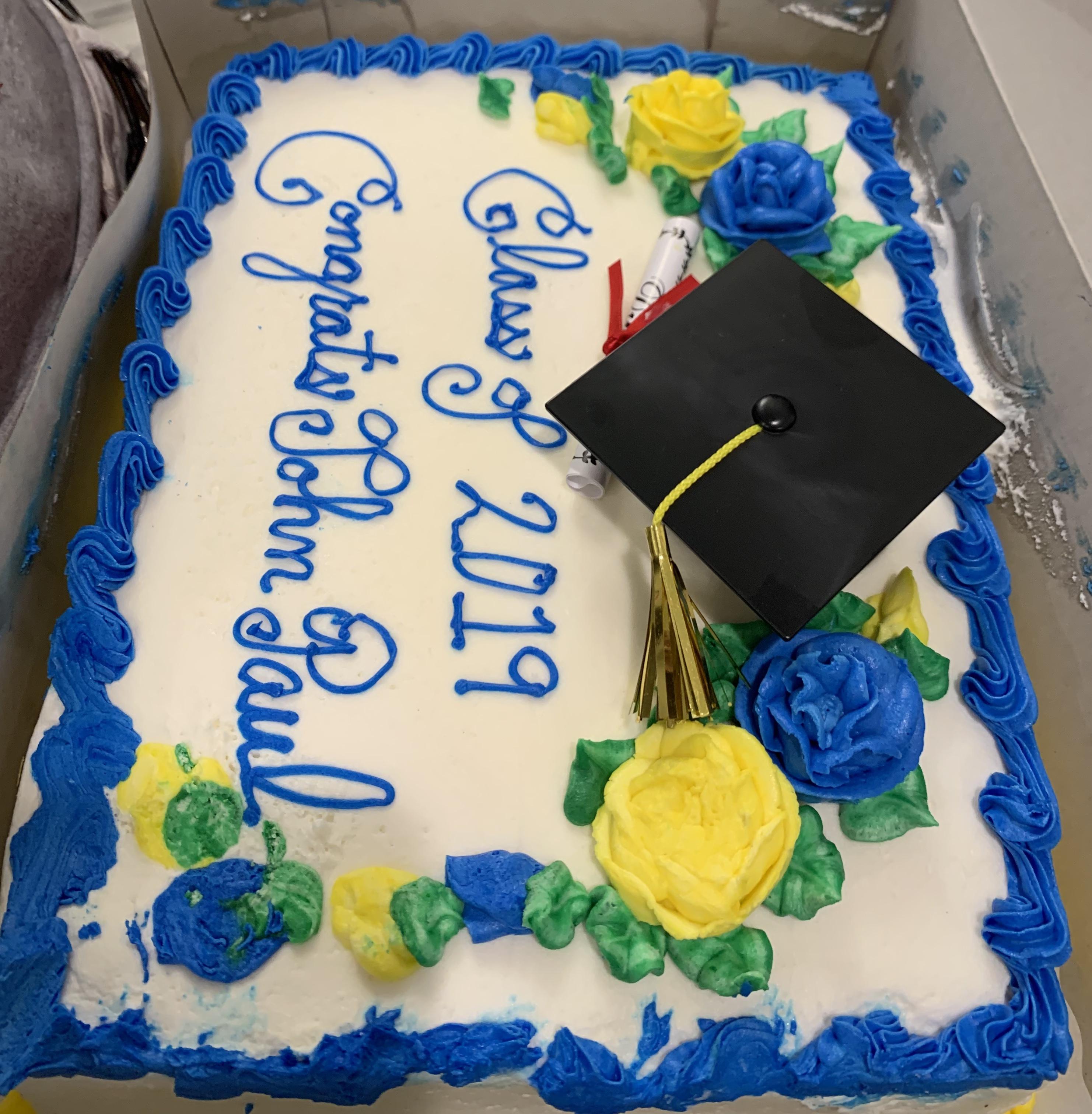 https://0201.nccdn.net/1_2/000/000/0db/c68/JP-Cake-graduacion.-2964x3024.jpg