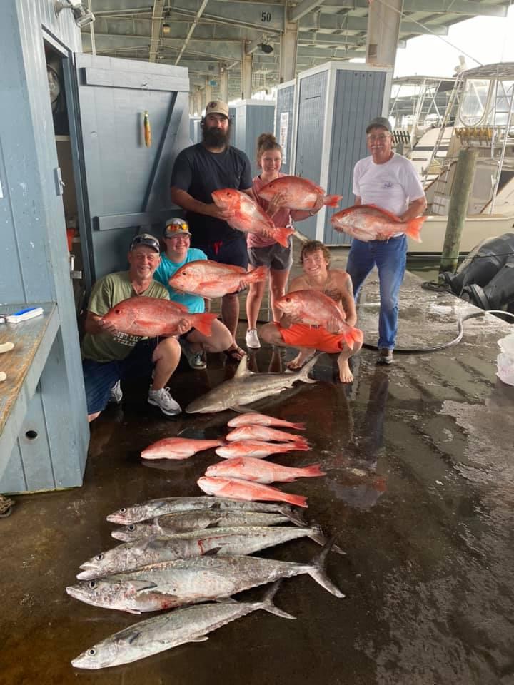 https://0201.nccdn.net/1_2/000/000/0de/c76/deepseafishinggalvestontx.jpg