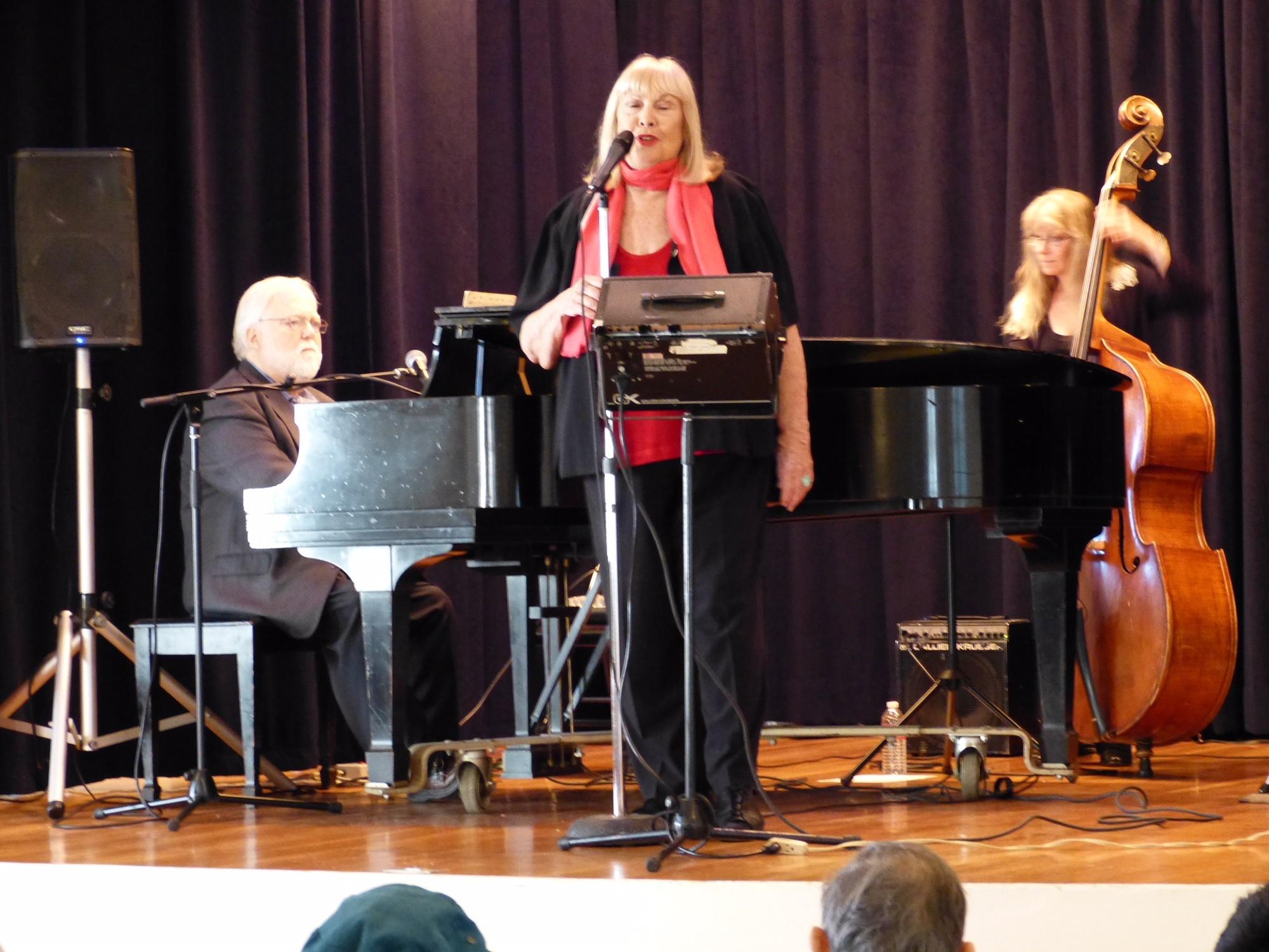 Dunlap, Bobbe Norris (vocalist), Davis