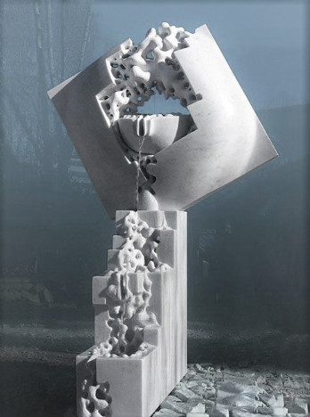 Melting- Fountain -  White carrara marble - Milano - Italy