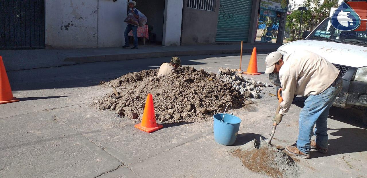 REPARACIÓN DE TUBERÍA DE DRENAJE EN CALLE CIPRÉS, COL. AVIACIÓN 1a. SECC