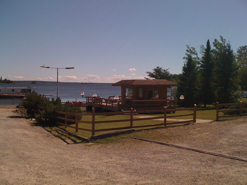 Houseboat rentals northwest ont lac seul s whitewing for Lac seul fishing resorts