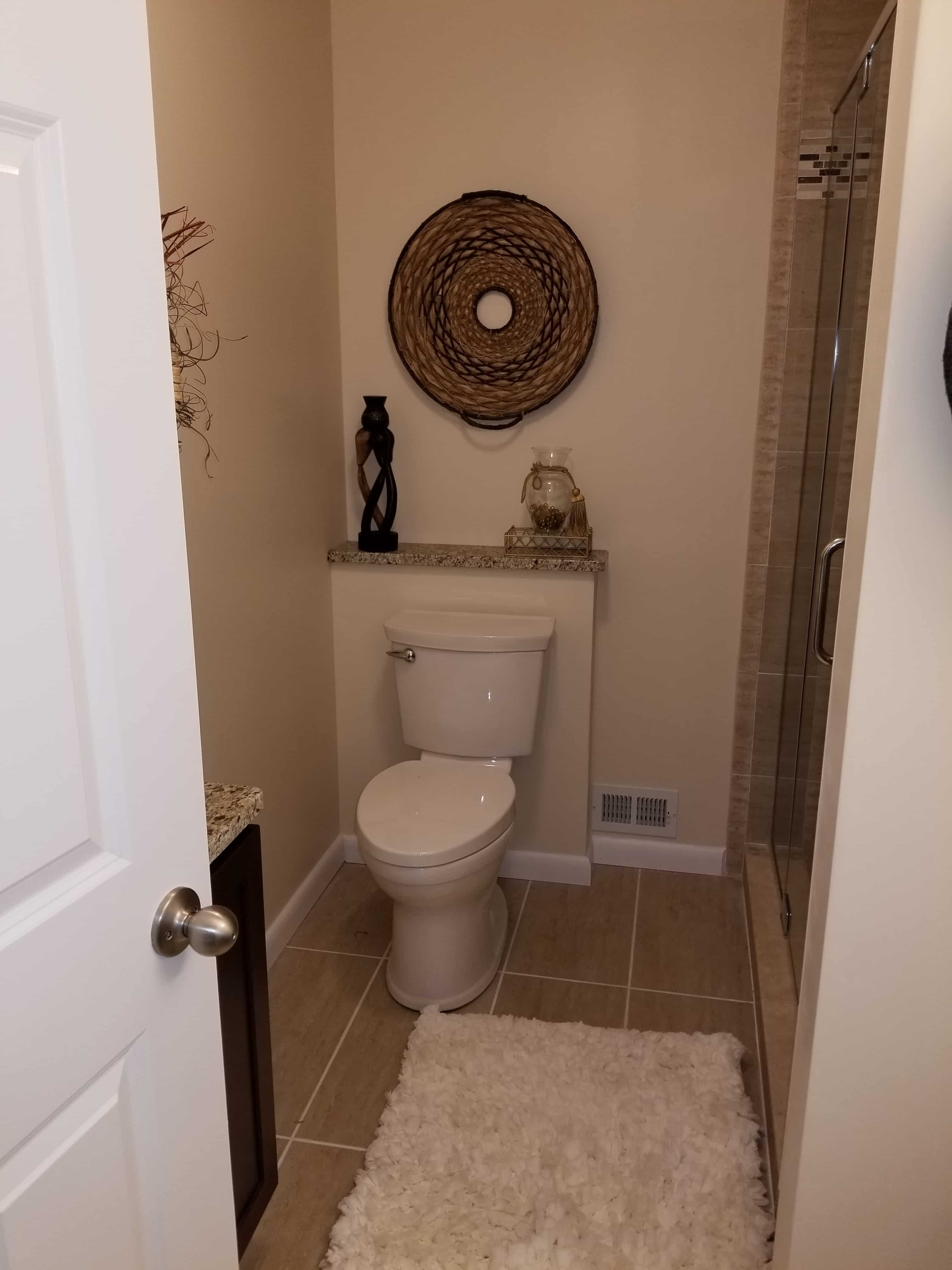 https://0201.nccdn.net/1_2/000/000/0ed/701/BathroomToilet-min-3024x4032.jpg