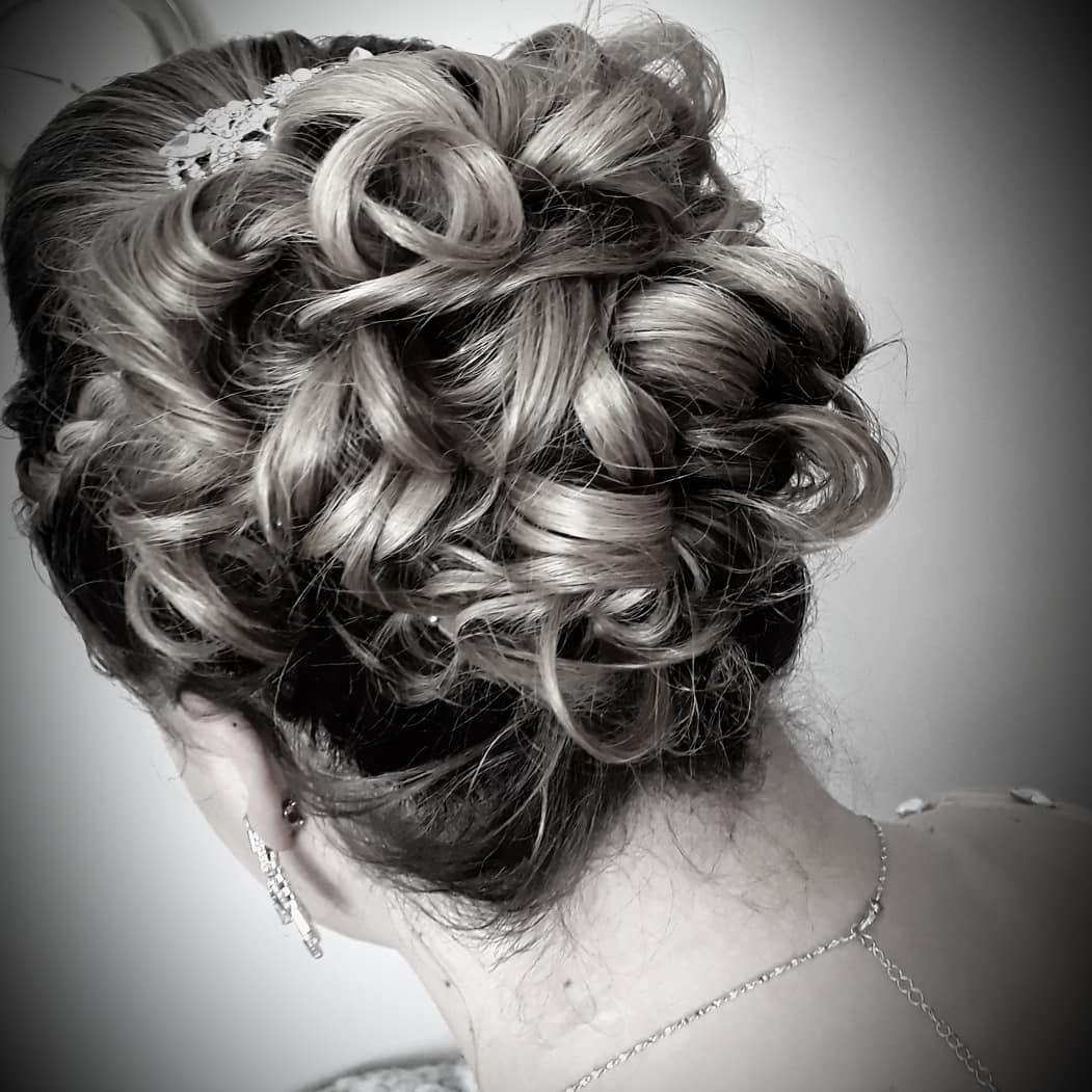 https://0201.nccdn.net/1_2/000/000/0ed/a3a/hair-15.jpg