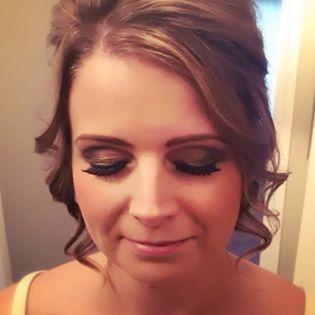https://0201.nccdn.net/1_2/000/000/0ed/f2c/makeup-4.jpg