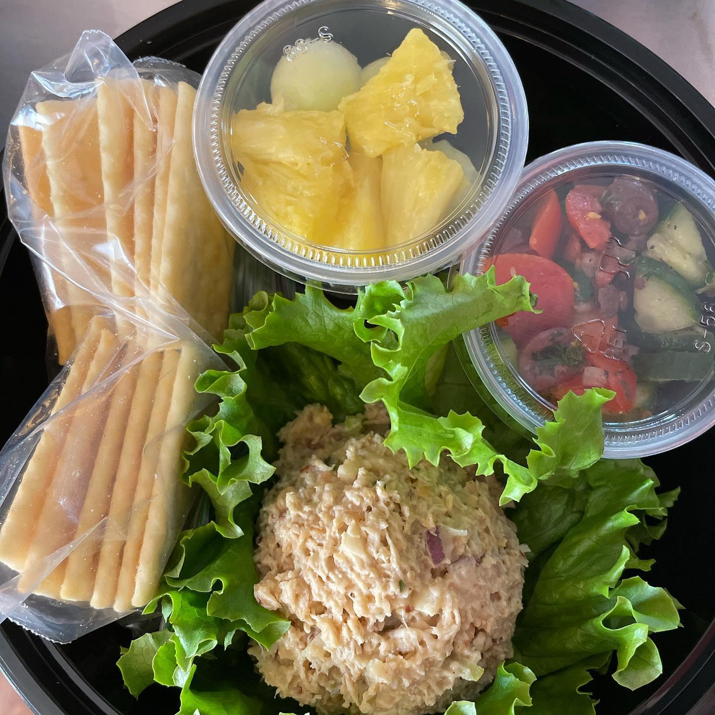 https://0201.nccdn.net/1_2/000/000/0ee/20c/vegan-chick-n-salad.jpg