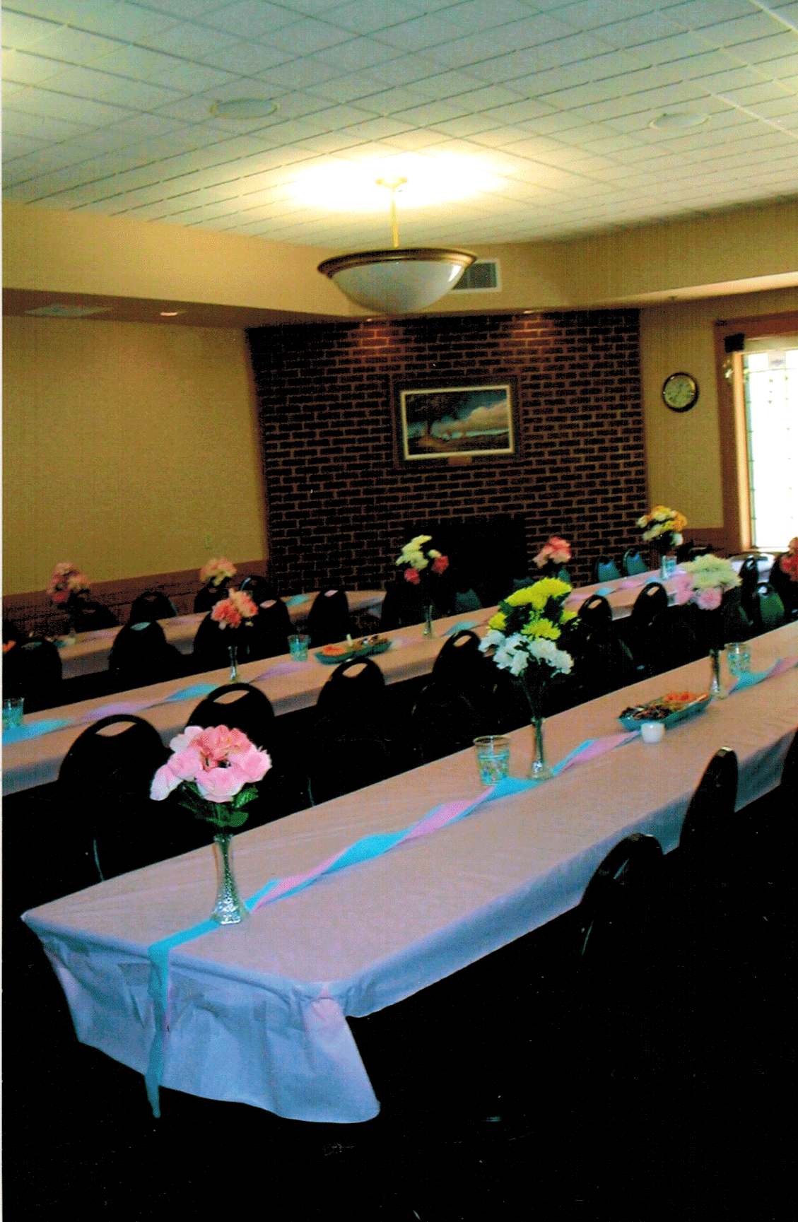 Sprague Room - white linen rows with flowers