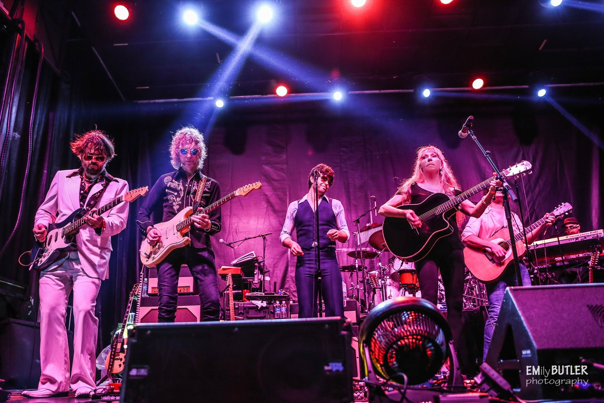 Juice performing with others at the Yacht Rock Revue show in Atlanta Georgia August 2016..
