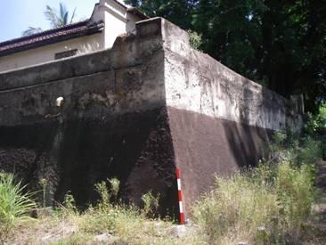 https://0201.nccdn.net/1_2/000/000/0f0/430/muralha_fortificada_maior.jpg