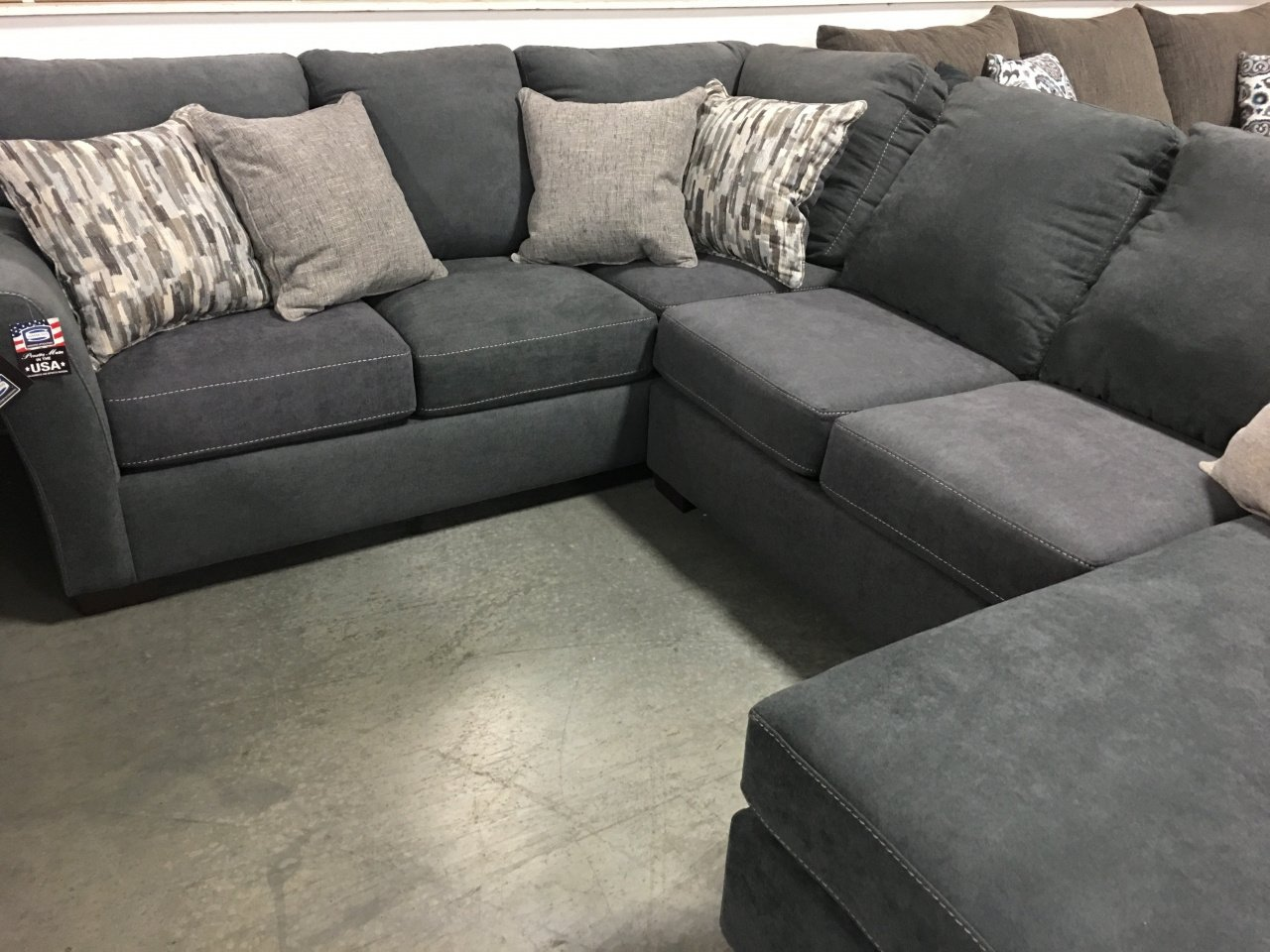 7058 Simmons Sectional Sofa Steel