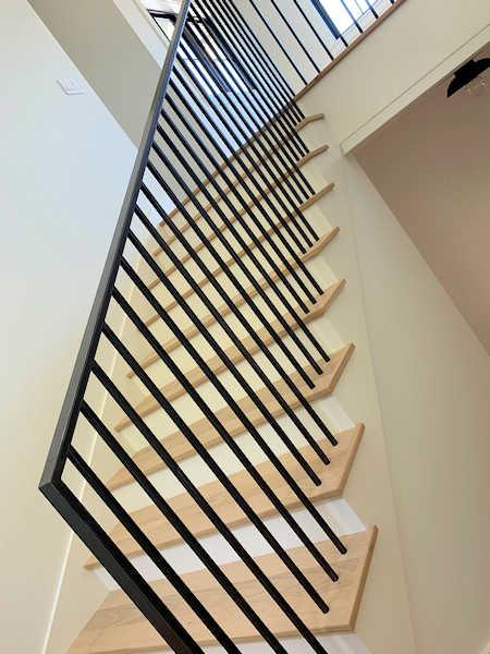 https://0201.nccdn.net/1_2/000/000/0f1/e83/stairs.jpg