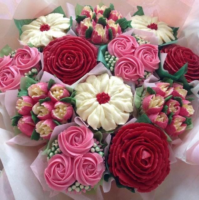 https://0201.nccdn.net/1_2/000/000/0f2/037/bouquet-2.png