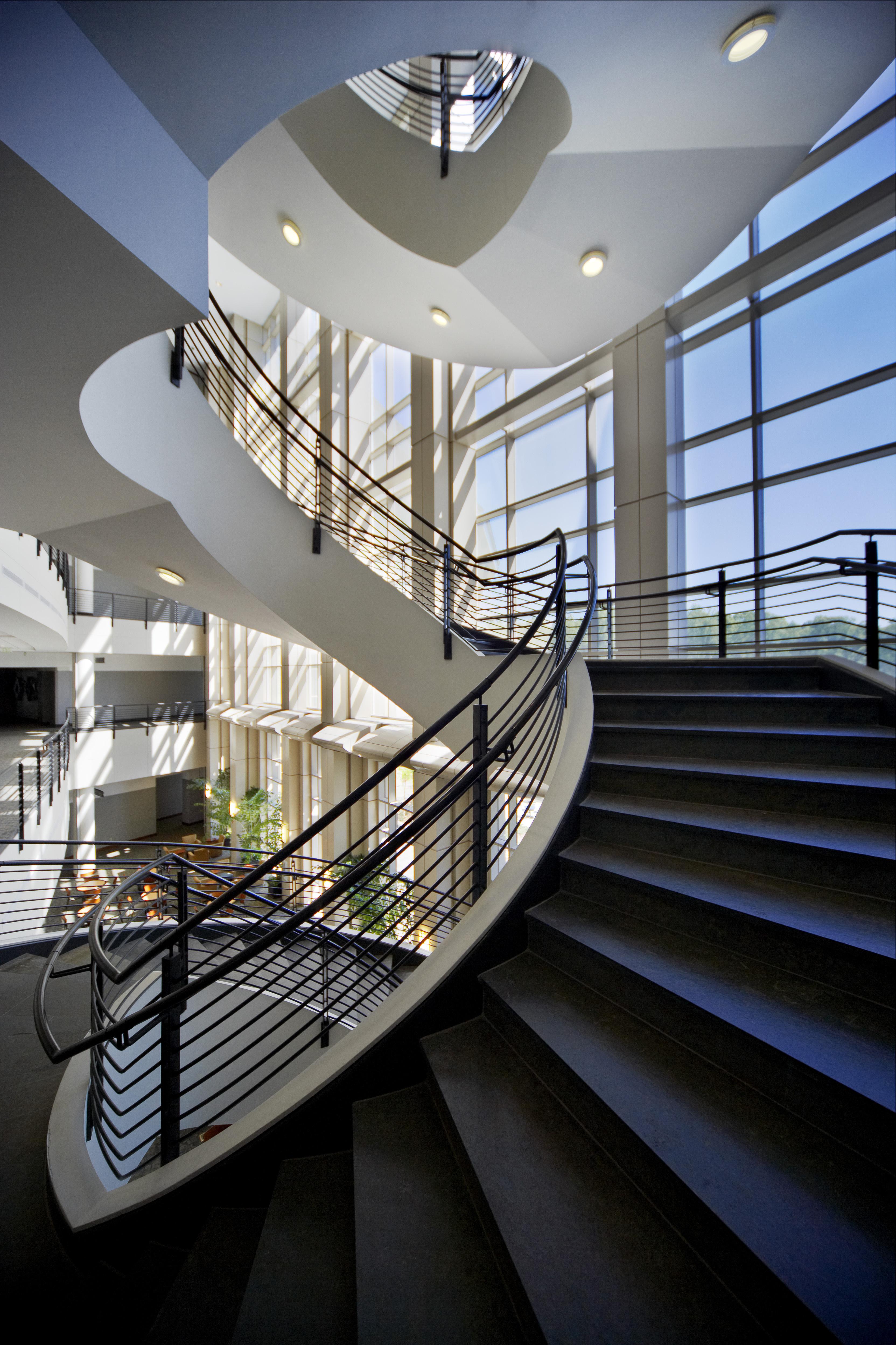 https://0201.nccdn.net/1_2/000/000/0f2/895/0309_03.stair.spiral-3328x4992.jpg