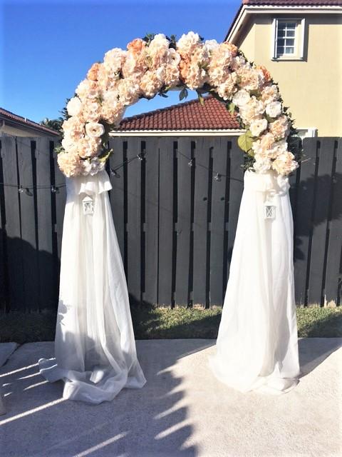 https://0201.nccdn.net/1_2/000/000/0f3/cfa/wedding-arch-in-backyard.jpg