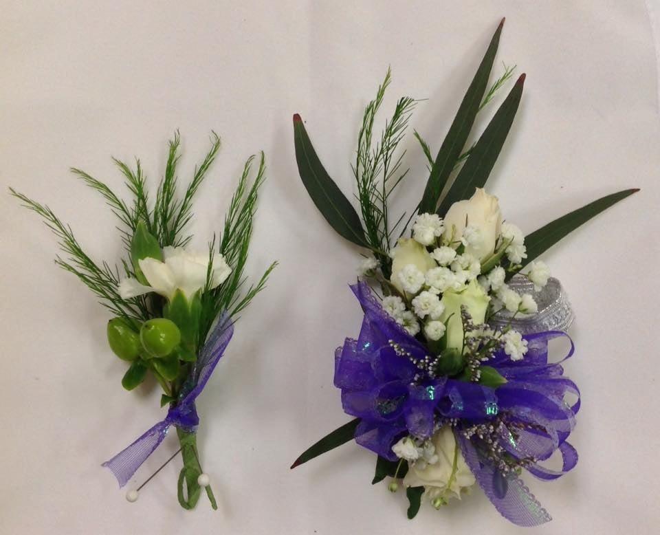 Matching Fresh Flower Boutonniere & Corsage
