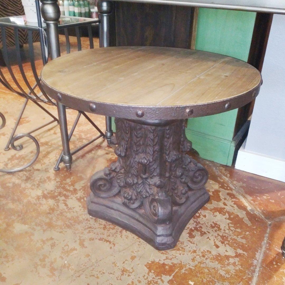 https://0201.nccdn.net/1_2/000/000/0f5/470/Table--stand--wood---74119-349.jpg