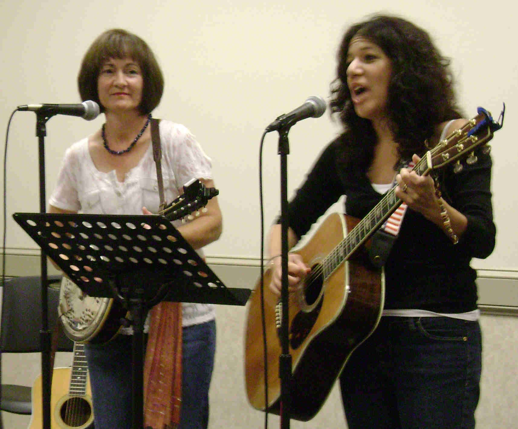 Donna Gray and Lea VanMerkestyn (The Barnstormers) 2009