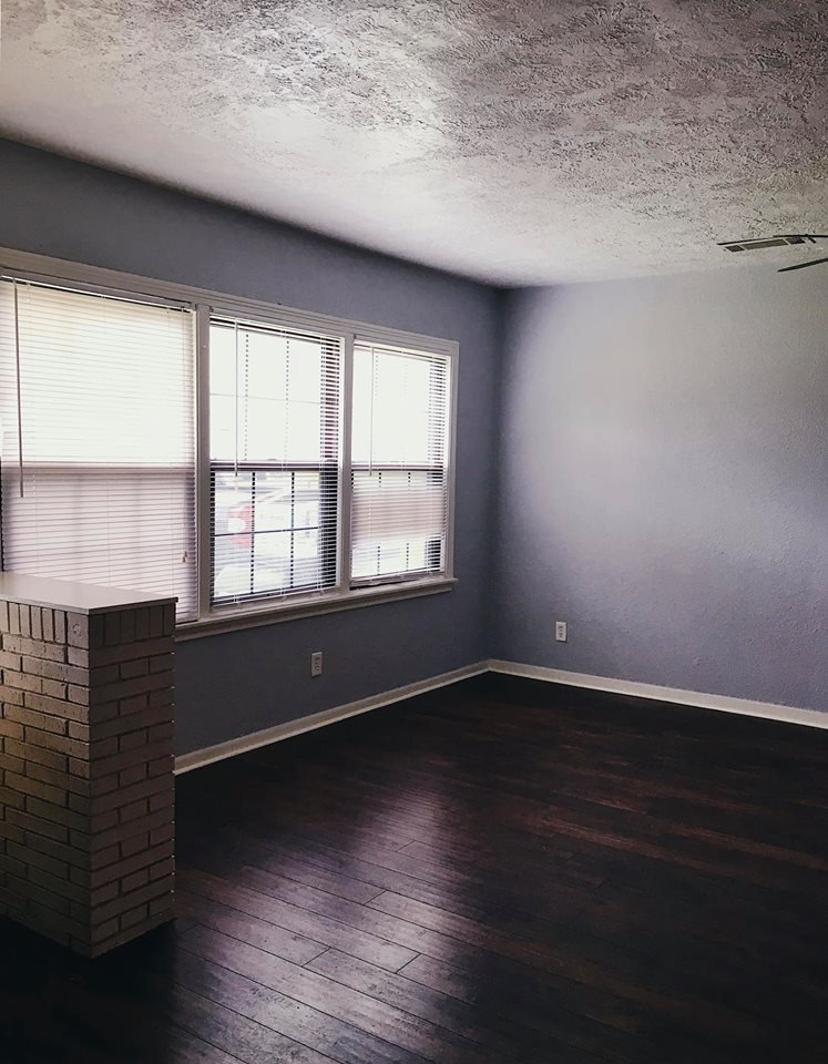 https://0201.nccdn.net/1_2/000/000/0f6/963/floors_paint-747x960.jpg