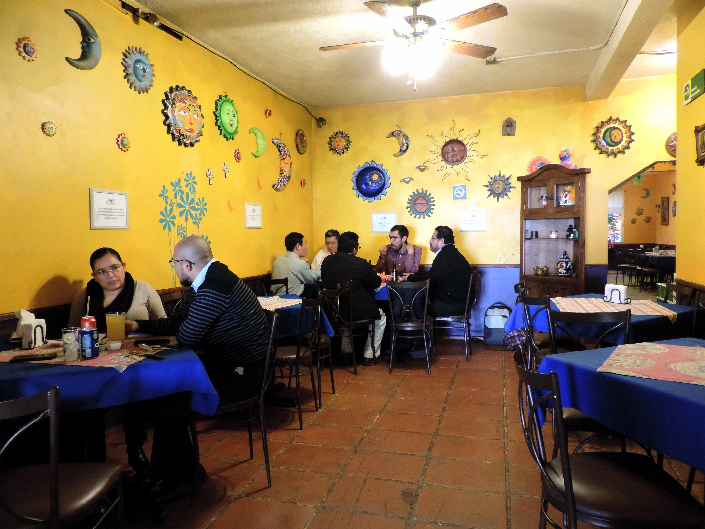 https://0201.nccdn.net/1_2/000/000/0f7/e91/restaurante5.jpg
