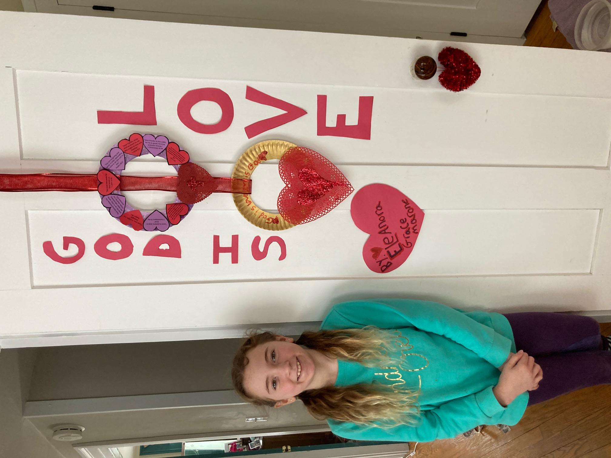 https://0201.nccdn.net/1_2/000/000/0f8/7df/jesus-loves-me-valentine-wreath2.jpg