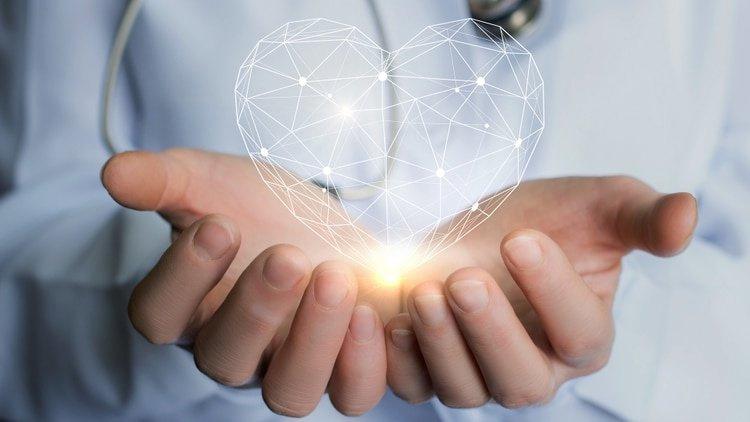 https://0201.nccdn.net/1_2/000/000/0f8/843/heart-hands-doctor-450w-564859891-750x422-750x422