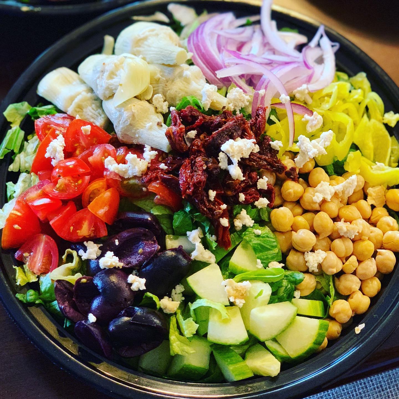 https://0201.nccdn.net/1_2/000/000/0fa/1fe/greek-salad.jpg