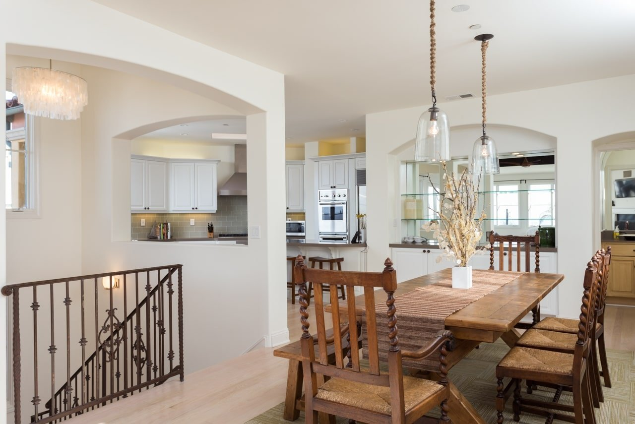 MB Executive Home Dining Area
