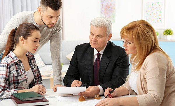 Family Consulting With Lawyer