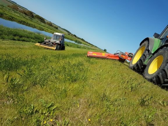 Grass Cutting - Cambridgeshire
