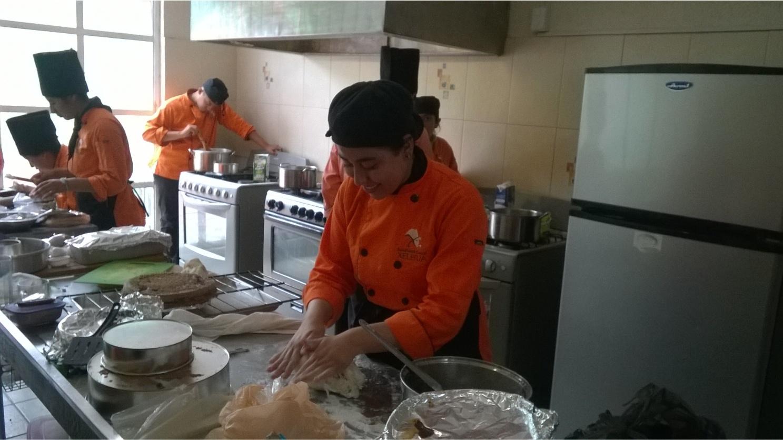 https://0201.nccdn.net/1_2/000/000/100/09f/Gastronomia-2-1487x836.jpg