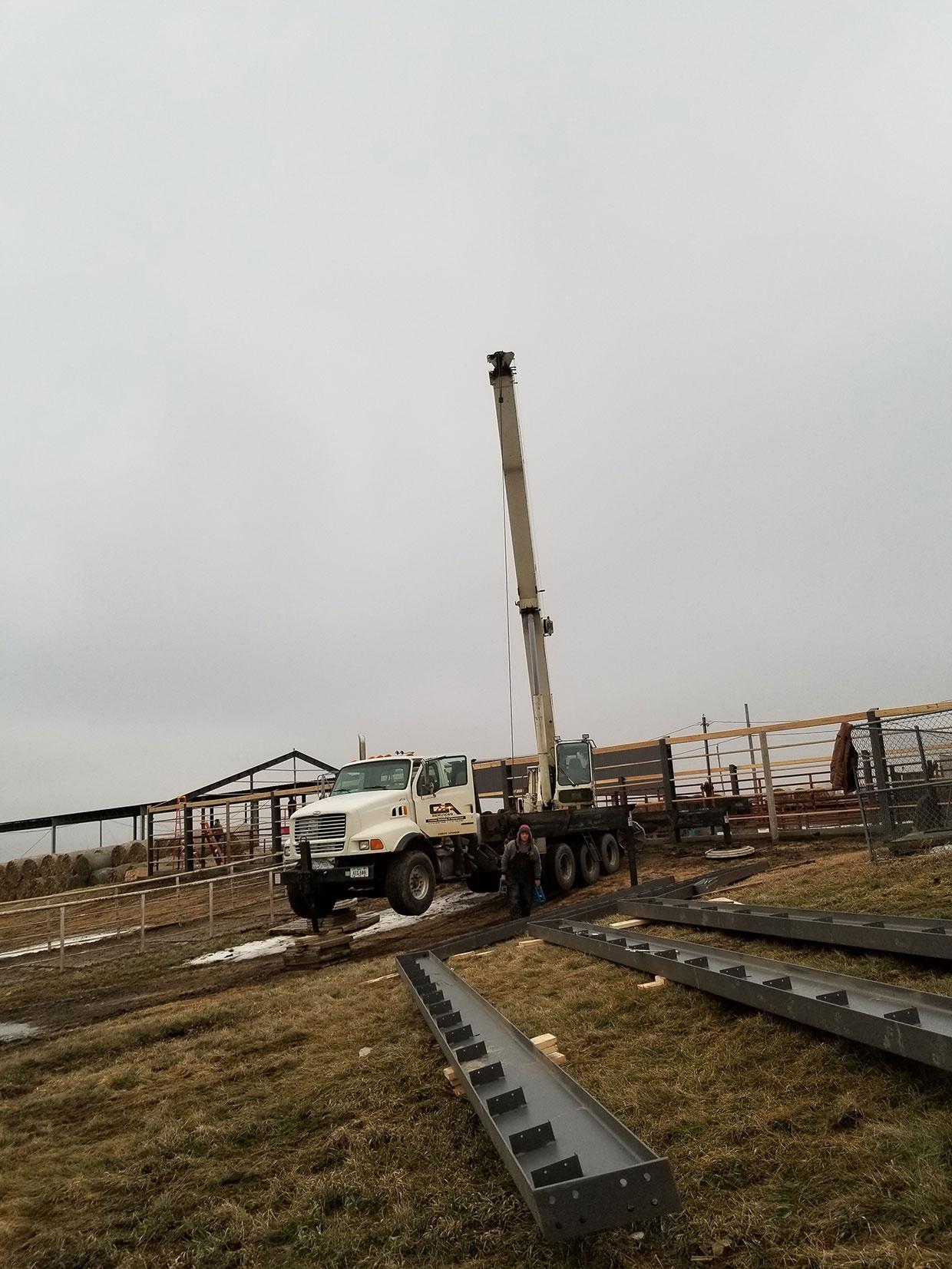Crane-Setting-Steel-Beams