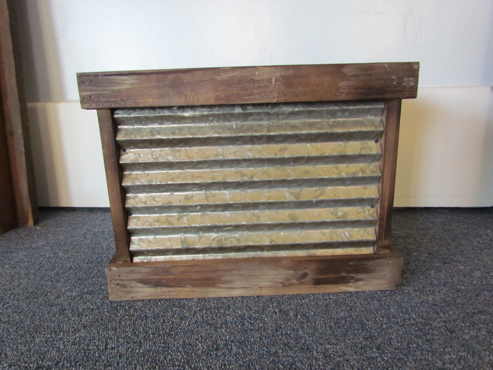 Small Cedar Lined Crate $4 / Day