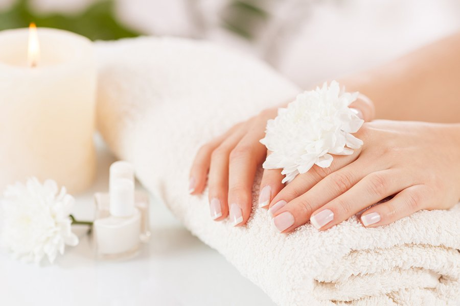 In Home Manicure Spa Service in Toronto including Mississauga, Brampton, Vaughan, Scarborough, North York, Markham and Richmond Hill