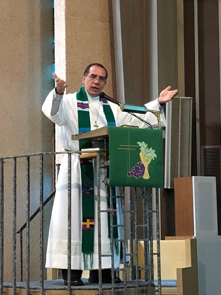 Echandia preaching